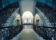 отель George: Лестница отеля