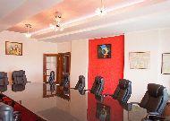 отель Golden Dragon: Номер Luxe Малевич Переговорная комната