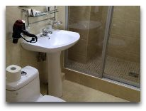 отель Golden Dragon: Ванная