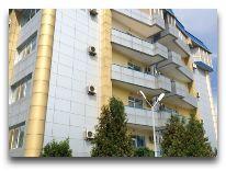 отель Golden Dragon: Фасад отеля