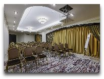отель Golden Palace Boutique Hotel: Конференц зал