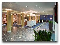 отель Meriton Grand Hotel Tallinn: Ресепшен