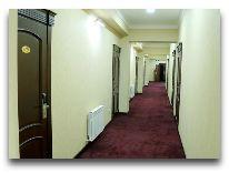 отель Grand Capital: Коридор в отеле