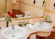 отель Grand Hotel Tien Shan: Ванная
