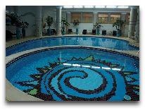 отель Grand Hotel Tien Shan: Бассейн