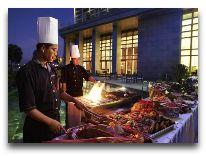 отель Grand Mercure Danang: Ресторан род открытым небом