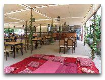 отель Grand Park Esil: Столовая