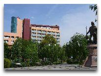 отель Grand Turkmen: Фасад отеля