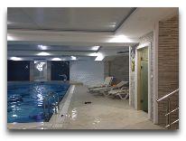 отель Grand Mir Hotel: Крытый бассейн