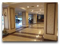 отель Grand Mir Hotel: Холл отеля