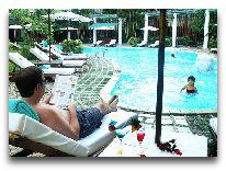 отель Green Hotel Hue: Бассейн