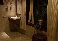 отель Green Papaya Organic Village: Private Beach Villa - ванная