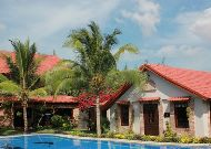 отель Green Papaya Organic Village: Private Beach Villa - выход к бассейну