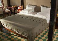 отель Green Papaya Organic Village: Private Beach Villa - спальня
