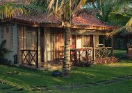 отель Green Papaya Organic Village: Private Beach Villa - терраса