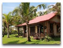 отель Green Papaya Organic Village: Private Beach Villa