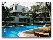 отель Pajurio: Бассейн у отеля
