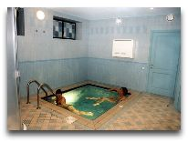 отель Уют: Бассейн в сауне