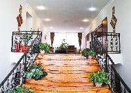 отель Хан Тенгри: Лестница на второй этаж