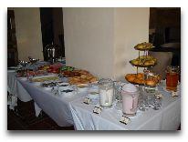 отель Hanza Hotel: Завтрак в отеле