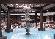 отель Hansa Hotel: Фонтан во дворе