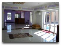 отель Hayat Inn: Вход в отель