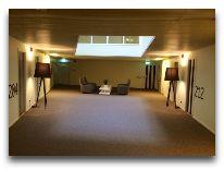 отель Hedon Spa Hotel: Коридоры отеля