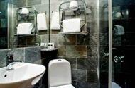 отель Hellsten: Ванная комната в одноместном номере