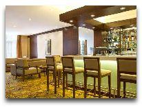 отель Hilton Garden Inn: Бар