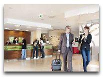 отель Hilton Garden Inn Krakow: Лбби