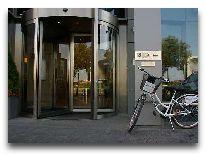 отель Hilton Garden Inn Krakow: Вход в отель