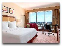 отель Hilton Warsaw Hotel and Convention Centre: Номер с королевской кроватью
