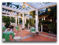 отель Hoi An Trail Resort & Spa Hotel: Открытое кафе