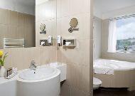 отель Holiday Inn Krakow City Centre: Ванная комната в номере Свит