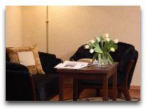 отель Holiday Inn Krakow City Centre: Гостиная в номере Свит