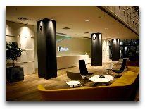 отель Holiday Inn Tbilisi: Уголок холла