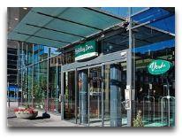 отель Holihday Inn Helsinki City Center: Вход в отель