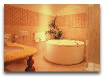отель Amadeus: Ванная комната в апатаментах