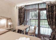 отель Hotel Apartment Dzukija: Апартаменты - спальня декор