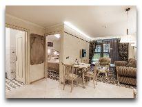 отель Hotel Apartment Dzukija: Апартаменты - общий вид от двери