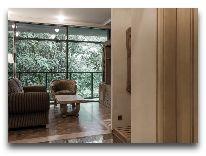 отель Hotel Apartment Dzukija: Гостиная - вид из прихожей