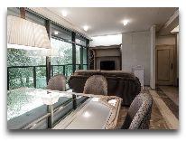 отель Hotel Apartment Dzukija: Гостиная - панорама