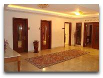 отель Atropat Hotel: Лифты