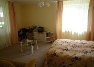 отель Hotel Egliu Slenis (Juodkrante): Спальня в двухкомнатном номере с прихожей