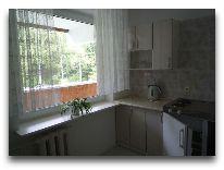 отель Hotel Egliu Slenis (Juodkrante): Кухня в четырехкомнатном номере