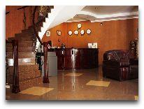 отель KMM Hotel: Ресепшен