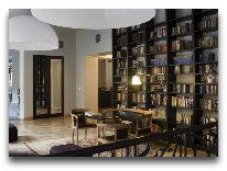 отель Neiburgs: Библиотека