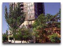 отель Hrazdan Hotel: Фасад