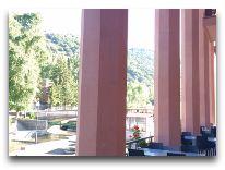 отель Grand Resort Jermuk: Веранда отеля