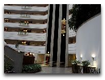 отель Rakhat Palacе: Лифт